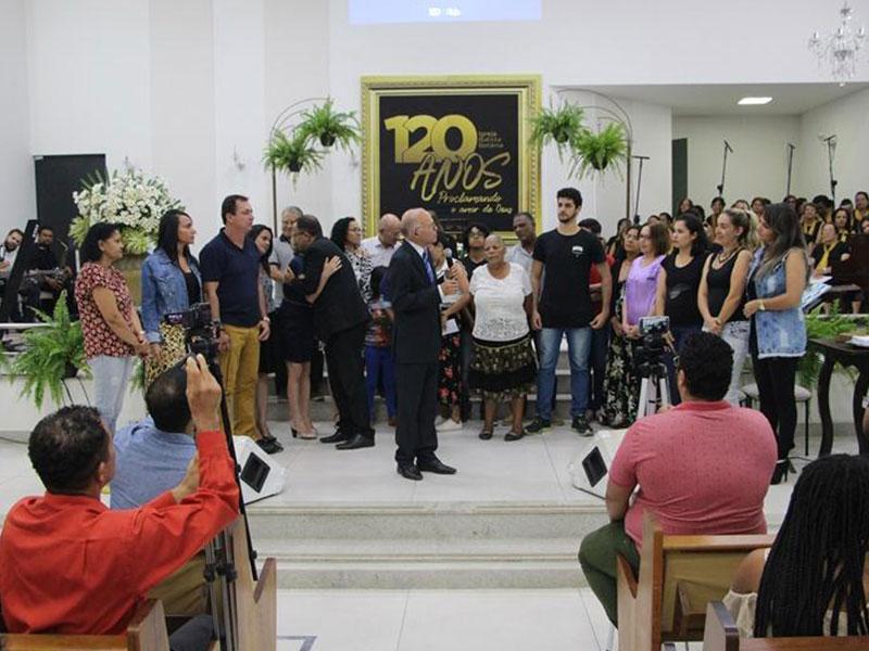 120 anos proclamando o amor de Deus!