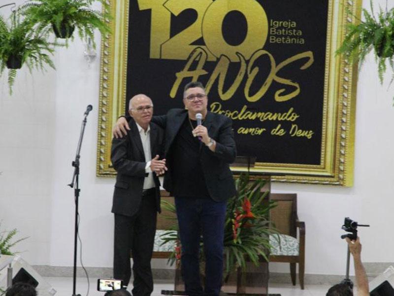 Apresentação de Nani Azevedo nos 120 anos da Betânia